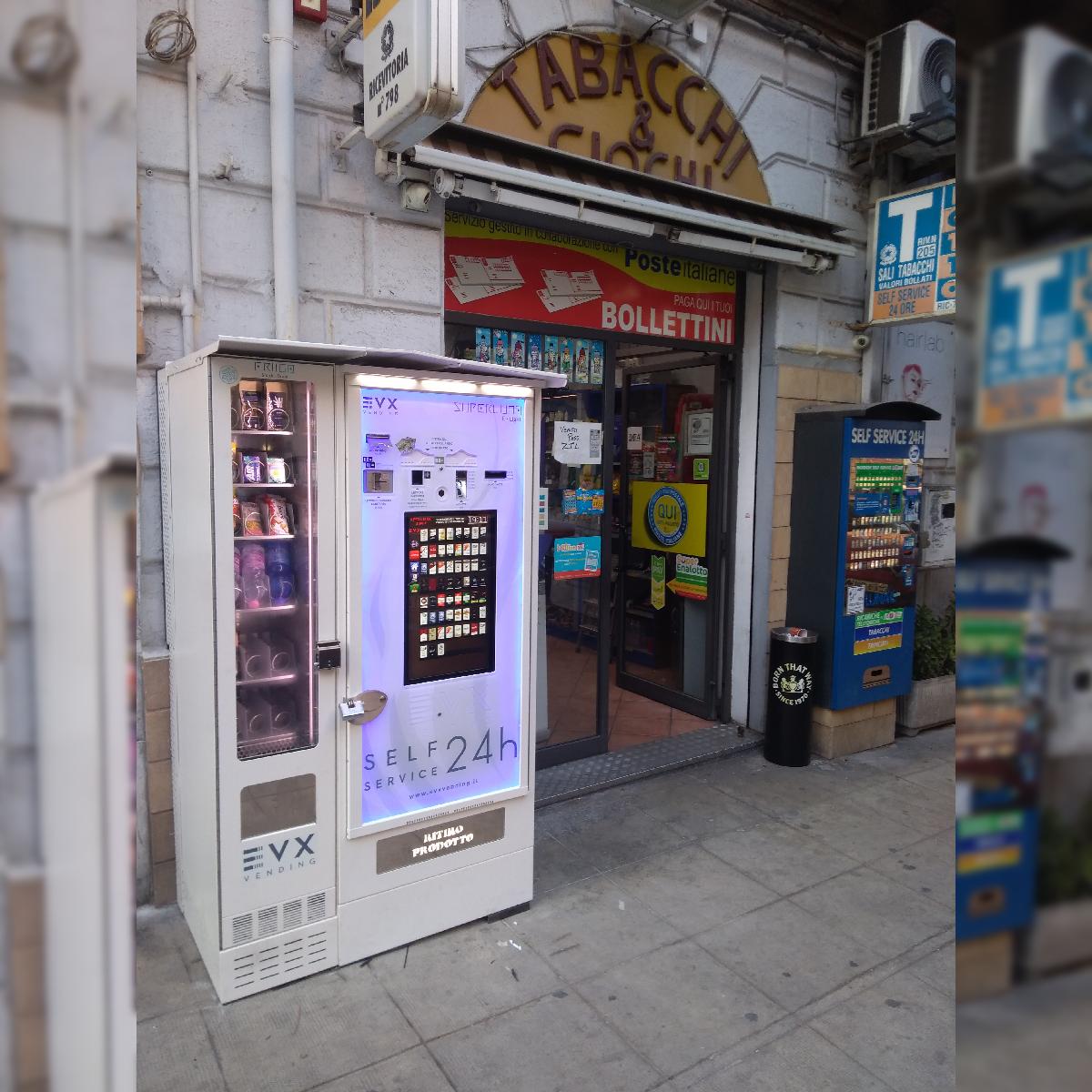 Distributore automatico di sigarette EVX Superluna E-Touch + Friigo (1)