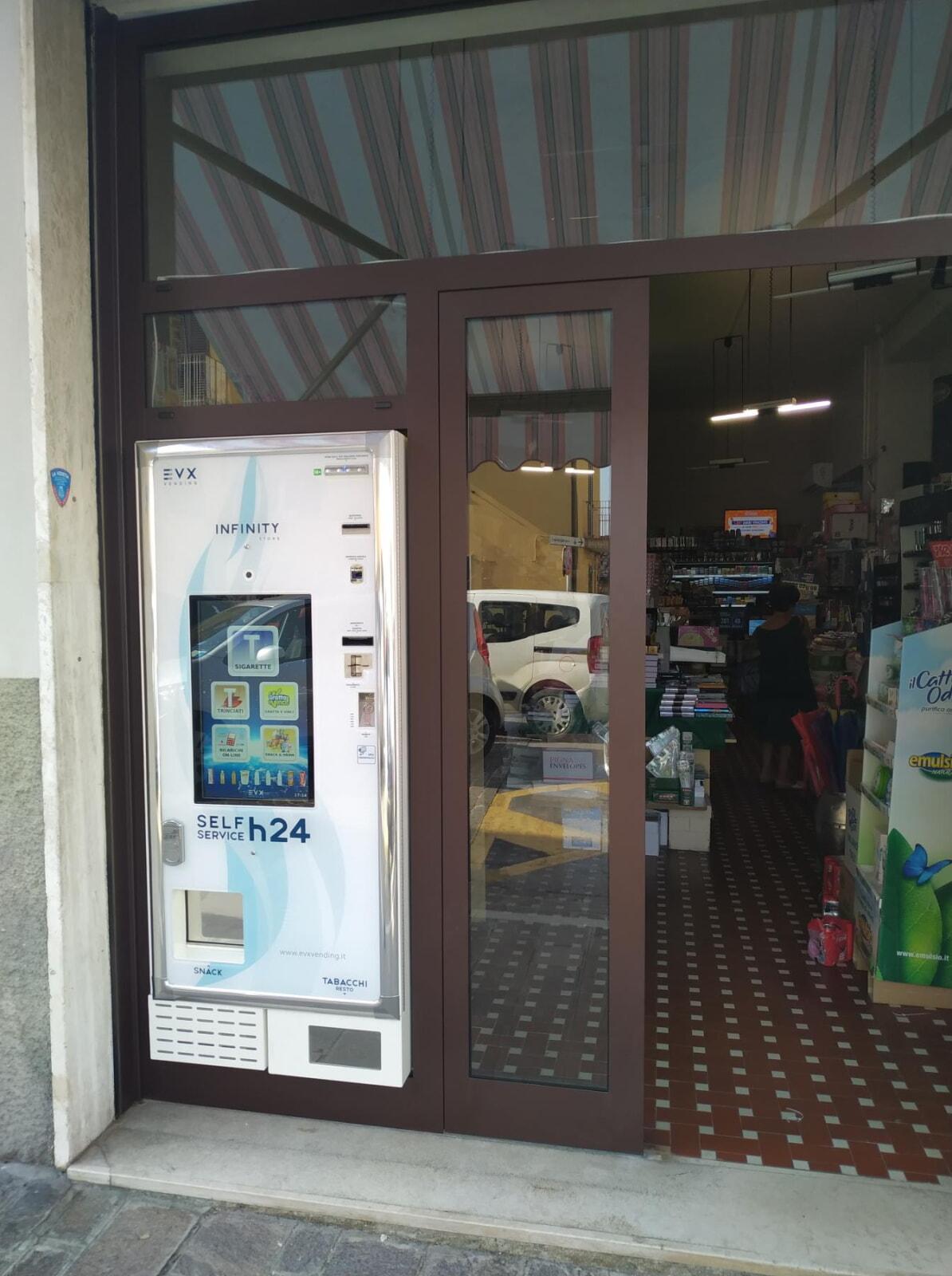 distributore-automatico-sigarette-evx-infinity_store (2)