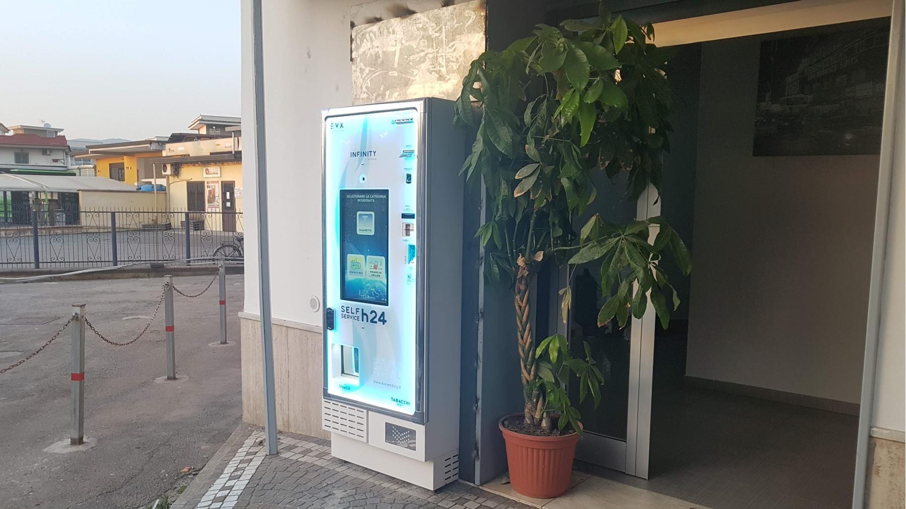 distributore-automatico-sigarette-evx-infinity_store