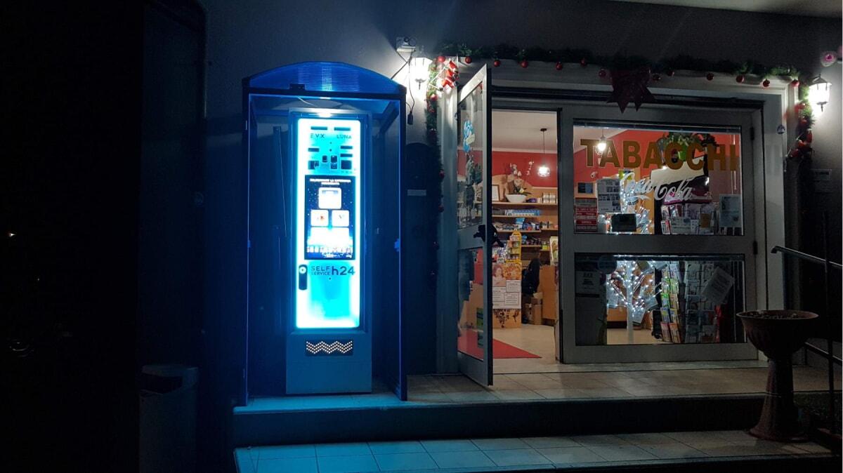 distributore-automatico-sigarette-evx-luna_+plus (2)