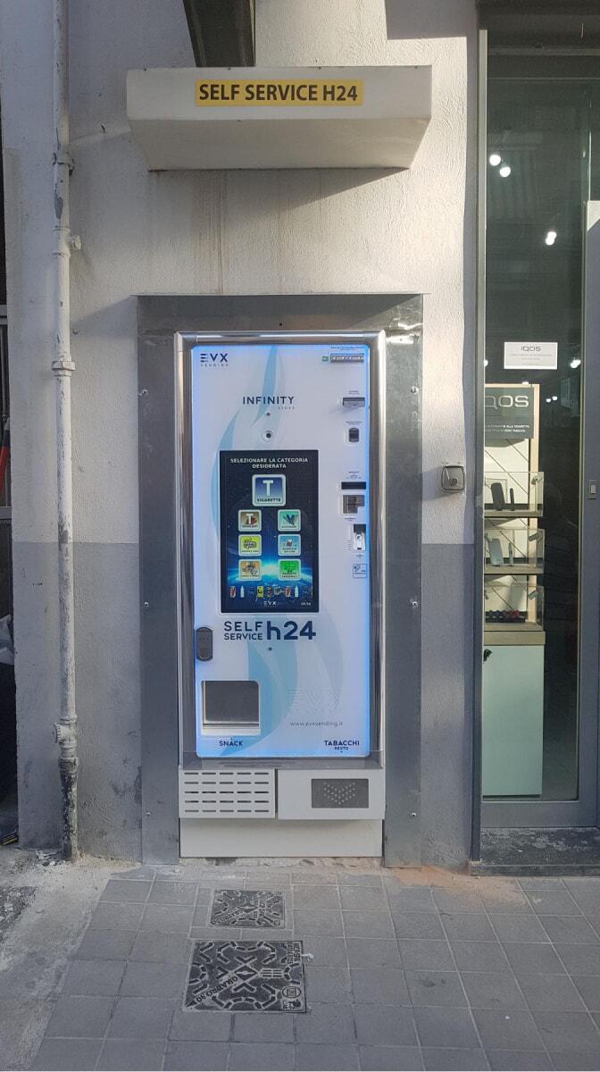 distributore-automatico-sigarette-evx-superluna_+plus (4)