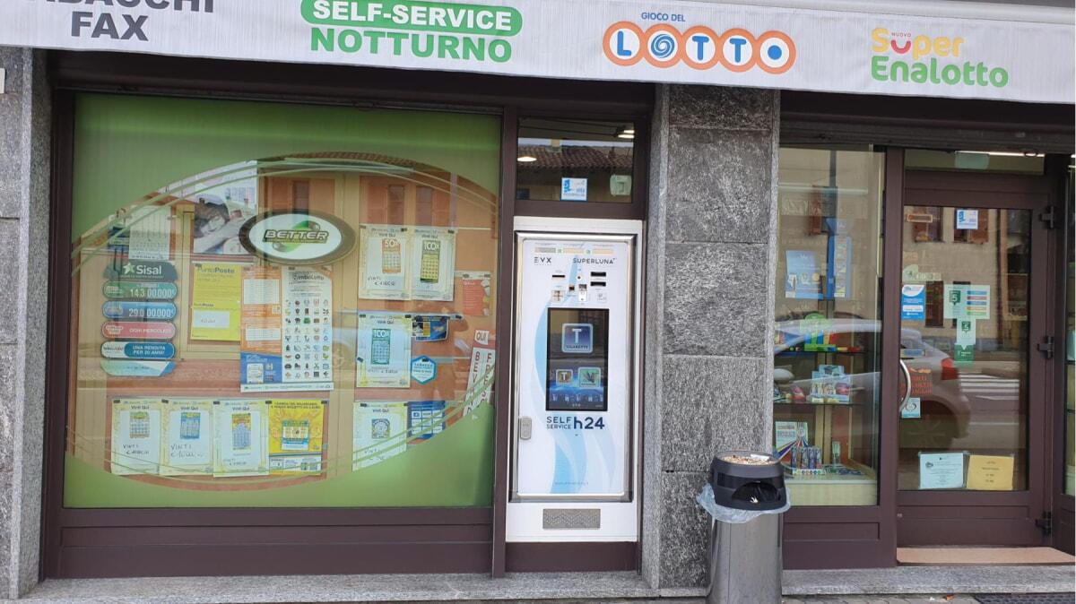 distributore-automatico-sigarette-evx-superluna_+plus (44)