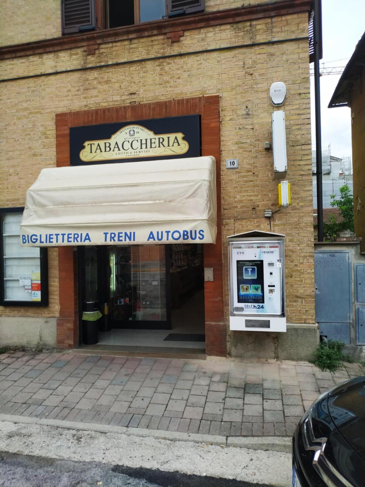 distributore-automatico-sigarette-evx-venere_+plus (17)