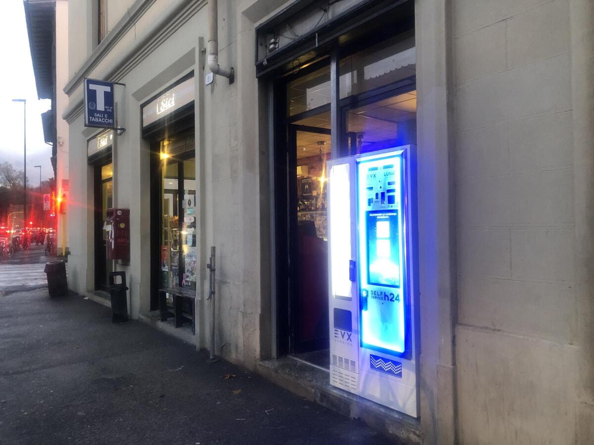 distributore-automatico-sigarette-evx_luna_+plus (2)