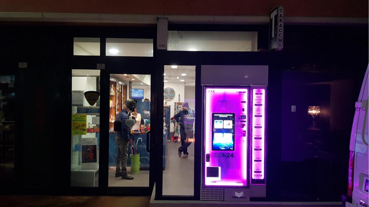 Distributore automatico di sigarette EVX Infinity +Plus - starslave