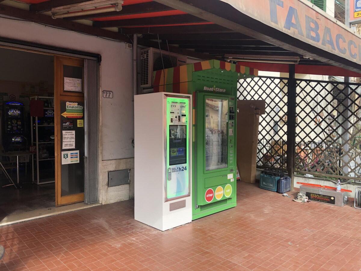 distributore-automatico-sigarette-evx-luna_+plus