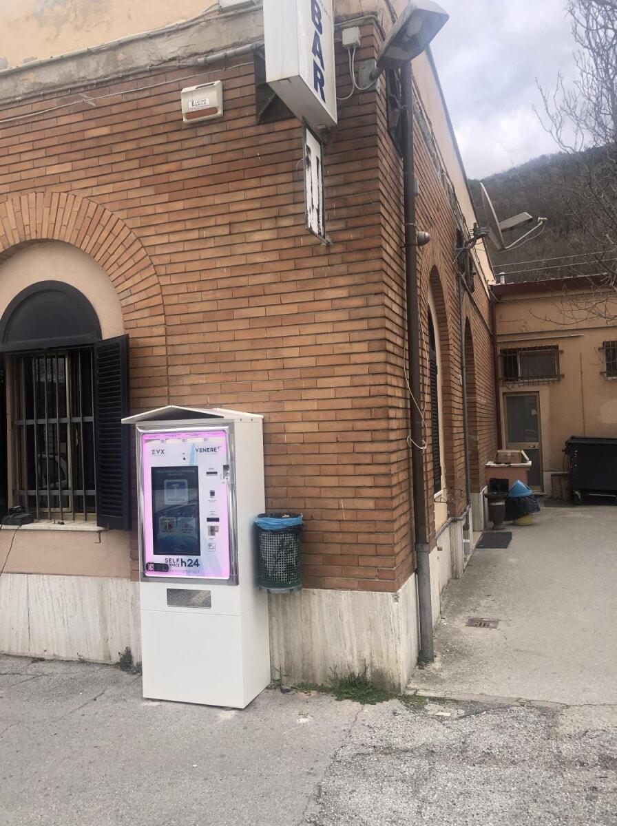 distributore-automatico-sigarette-evx-venere_+plus (3)